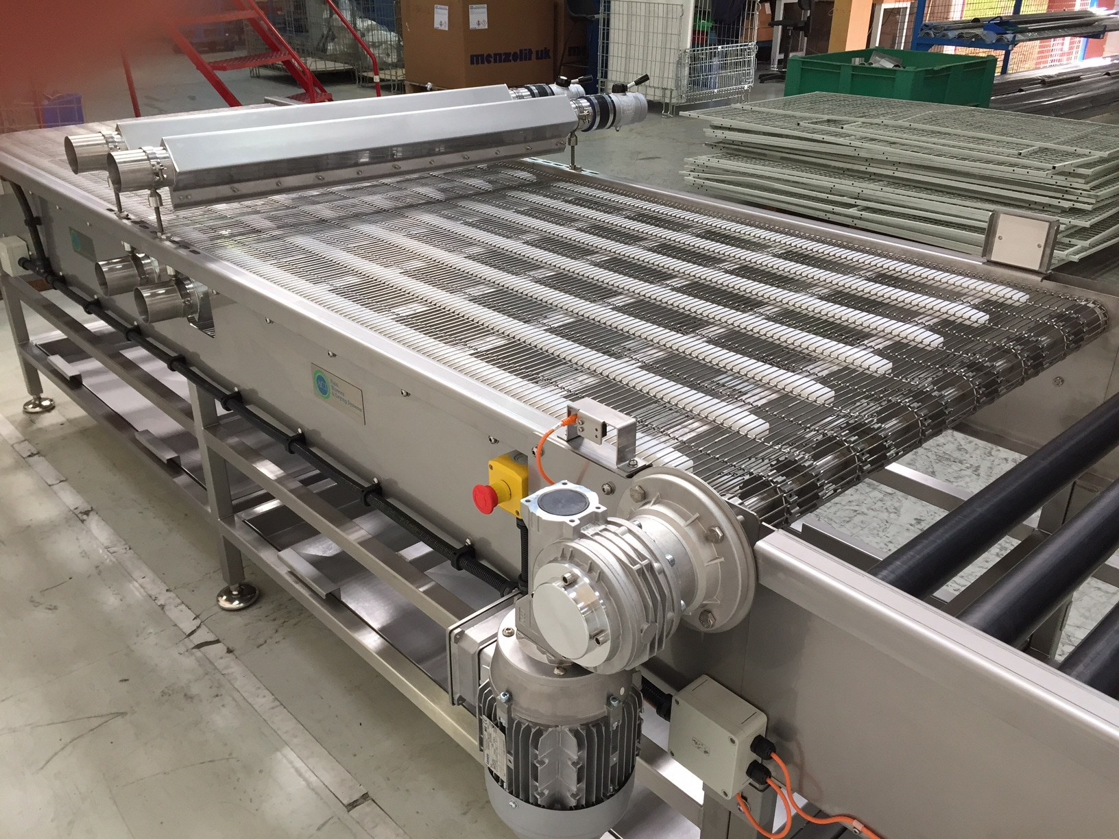 STRAIGHT FOOD CONVEYOR SYSTEM